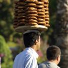 Vendeur de rue devant la mosquée bleue, Istanbul, Turquie - 2009
