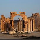 L'arc monumental de Septime Sévère marque l'entrée de la grande colonnade, Palmyre, Syrie, 2010