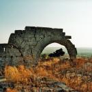 Vestiges sur le site de la basilique de Saint-Siméon (Qala'at Samaan), Syrie, 1996