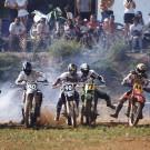 Départ en ligne de style motocross, course sur prairie à Gignac - 1999