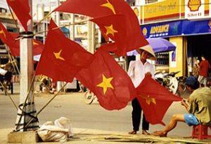 Drapeaux vietnamiens dans les rues de Saïgon pour la fête du Tet