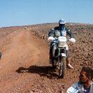 A moto sur la piste, raid de l'amitié, Maroc -1995